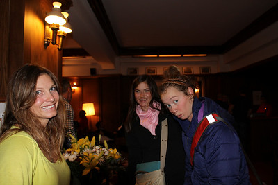 (l-r) Julia Mancuso, Julia Ford and Laurenne Ross having fun in Portillo (Laurenne Ross/http://lalalaurenne.wordpress.com/)