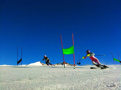 Lindsey Vonn and Sarah Schleper in head-to-head giant slalom in Valle Nevado (Kristian Saile)