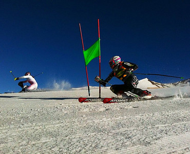 Laurenne Ross head-to-head with Lindsey Vonn in Valle Nevado (Kristian Saile)