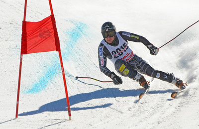 Olymic medalist Andrew Weibrecht charges down a giant slalom course as the U.S. Ski Team trains at Vail's Golden Peak. (c) 2010 U.S. Ski Team/Tom Kelly