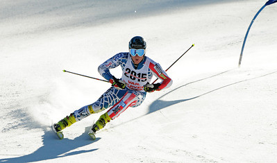 Tim Jitloff attackes a giant slalom course as the U.S. Ski Team trains at Vail's Golden Peak. (c) 2010 U.S. Ski Team/Tom Kelly