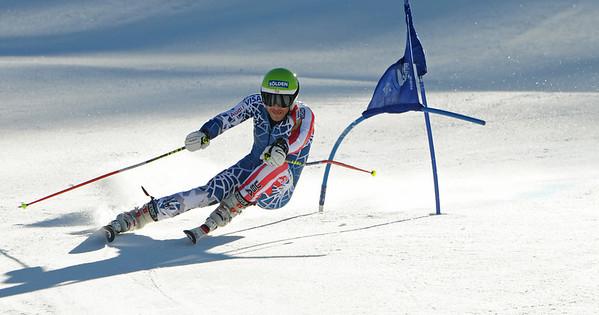 Olympic champ Bode Miller races giant slalom as the U.S. Ski Team trains at Vail's Golden Peak. (c) 2010 U.S. Ski Team/Tom Kelly