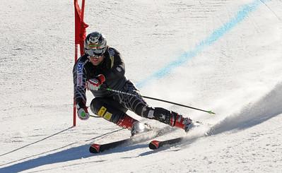 Erik Fisher charges past a giant slalom gate as the U.S. Ski Team trains at Vail's Golden Peak. (c) 2010 U.S. Ski Team/Tom Kelly