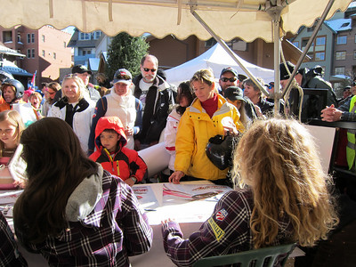 Fans pile in for autographs in Winter Park (Doug Haney/U.S. Ski Team)