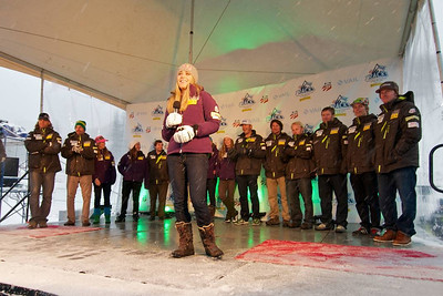 Lindsey Vonn hypes the crowd at First Tracks - the Alpine Team Announcement - presented by Nature Valley at Vail, CO (Tom Green/Vail Resorts)
