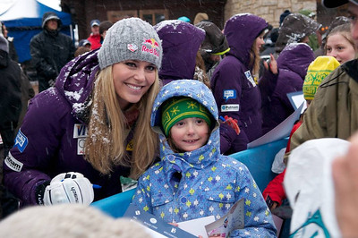 Lindsey Vonn with fans at First Tracks - the Alpine Team Announcement - presented by Nature Valley at Vail, CO (Tom Green/Vail Resorts)
