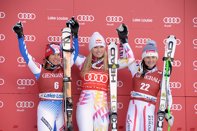 Marie Marchand-Arvier, Lindsey Vonn and Elisabeth Goergl on the second downhill podium in Lake Louise (Roger Witney/Alpine Canada)