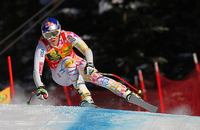 Lindsey Vonn screams to victory in the women's super G at Lake Louise to sweep the three race weekend (Malcolm Carmichael/Alpine Canada)