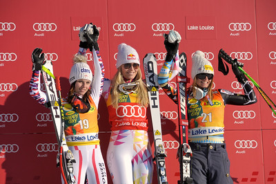 Anna Fenninger, Lindsey Vonn and Julia Mancuso on the Lake Louise super G podium (Roger Whitney/Alpine Canada)