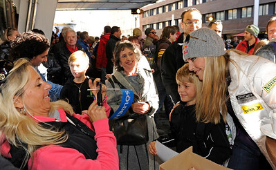 Lindsey Vonn signs autographs for fans in Innsbruck during the U.S. Ski Team partnership announcement with Soelden/Obergurgl-Hochgurgl in the Oetztal Valley of Austria (Oetztal Tourism)