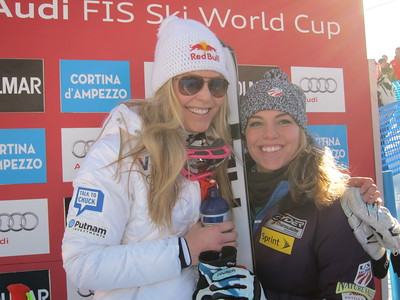 Lindsey Vonn spends a little quality time in the leader box with her younger sister Laura Kildow (Doug Haney/U.S. Ski Team)