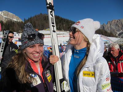 Lindsey Vonn jokes with her younger sister Laura Kildow in Cortina (Doug Haney/U.S. Ski Team)