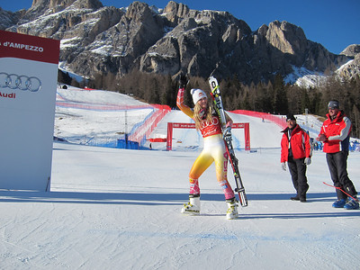 Lindsey Vonn strides to the top of the Cortina super G podium (Doug Haney/U.S. Ski Team