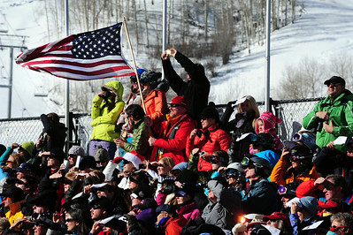 Beaver Creek fans wave an American flag for Lindsey Vonn and the U.S. Ski Team.  (U.S. Ski Team/Tom Kelly)