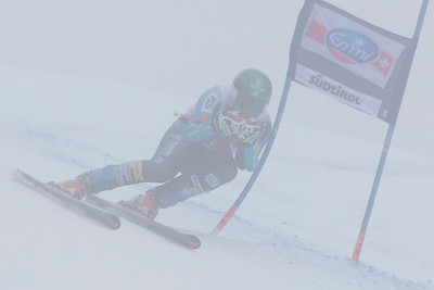 VAL GARDENA, ITALY - DECEMBER 14: Travis Ganong races down a foggy Saslong course whilst competing in the Audi FIS Alpine Ski World Cup Super Giant  Slalom race on December 14 2012 in Val Gardena, Italy. (Photo by Mitchell Gunn/ESPA) Image may be used for editorial use only.