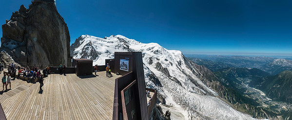 Sightseeing and Mont Blanc from Aiguille du Midi