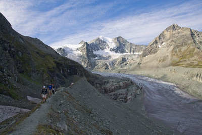 On the lateral moraine of the Moiry glacier.