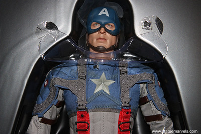 Hot Toys Captain America Movie Figure