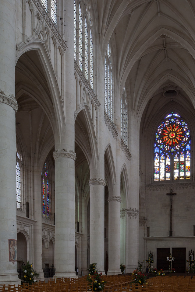Saint-Nicolas-du-Port Nave Arcade and Rose Window