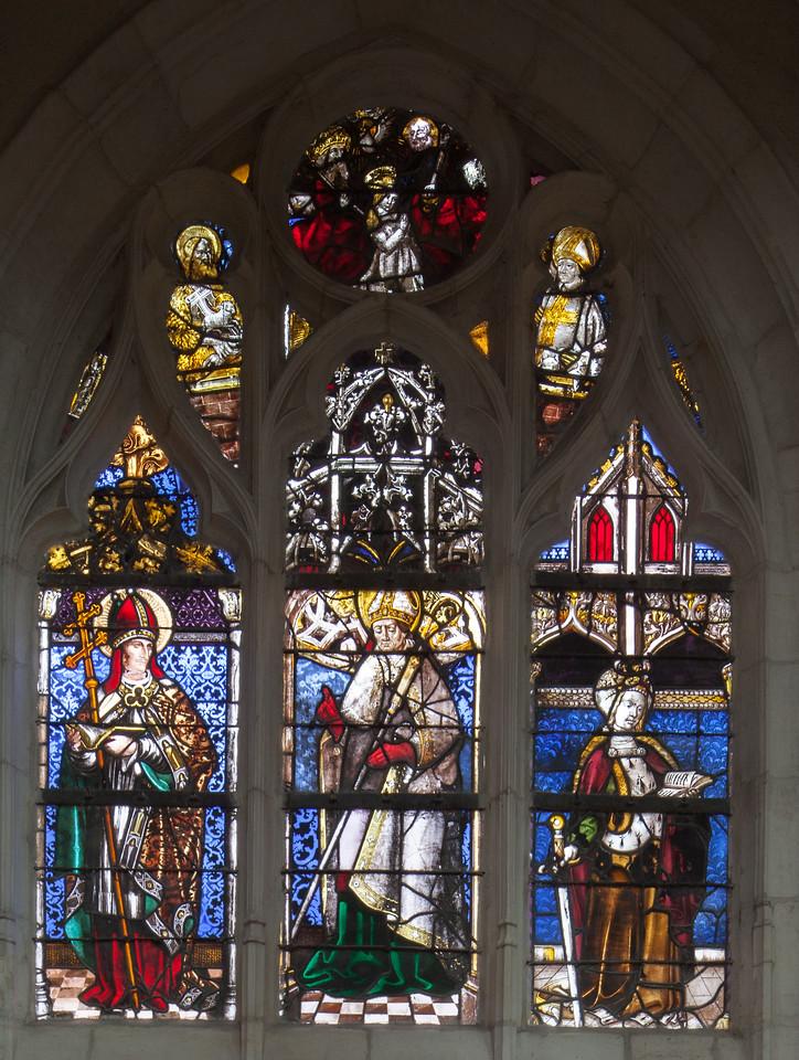 Saint-Nicolas-de-Port - Bishop with Saints Catherine and Borromée