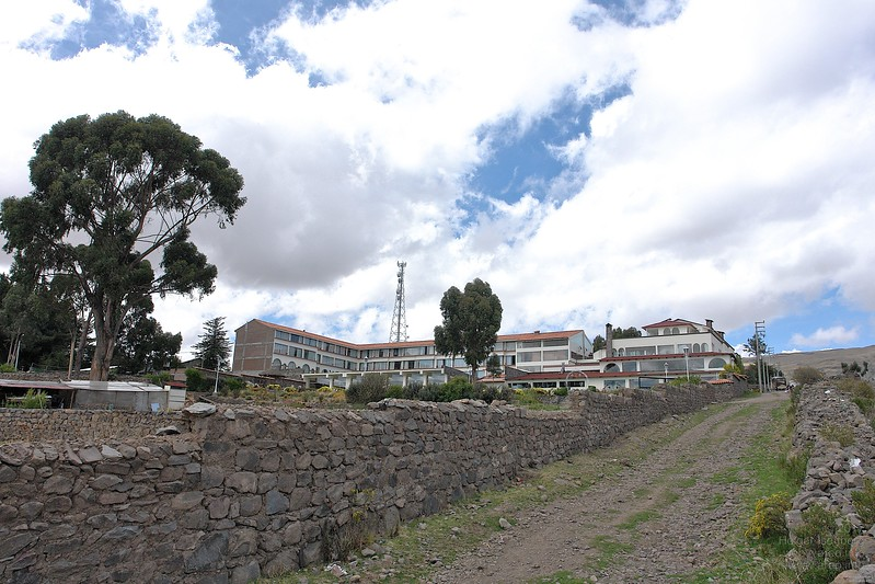 Hotel Taypikala Lago, south of Puno.