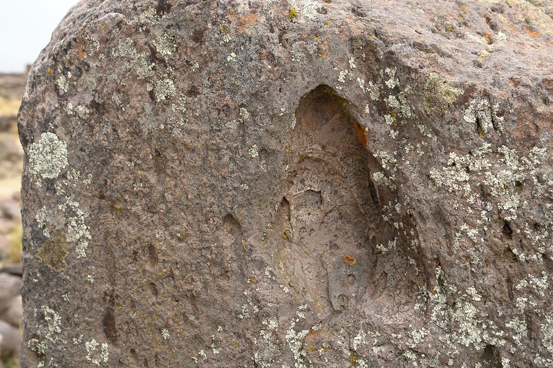 Some construction stones within the walls show strange hollows with traces of molten stone. Lightsaber fights of ancient aliens or possible natural explanation?