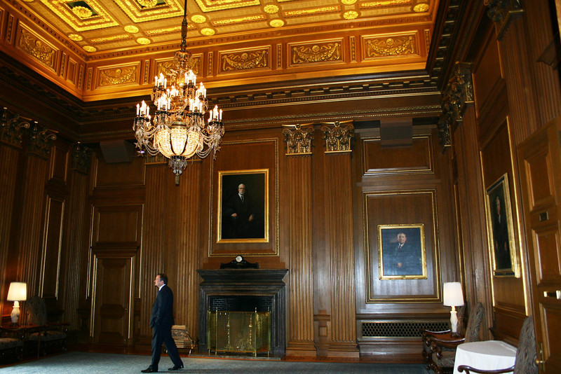 The West Conference Room inside the US Supreme Court building was designated as headquarters for UM Law Alumni.