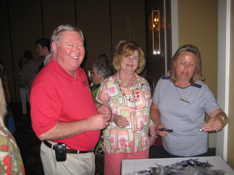 Bo Dalton (BSPh 74), Executive Director of MPhA, his wife, Colleen and MPhA staff member Brenda Bland