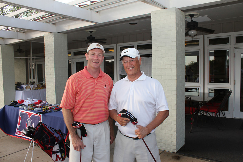 Putting contest winners were Greg Farm and Mike Flynn.