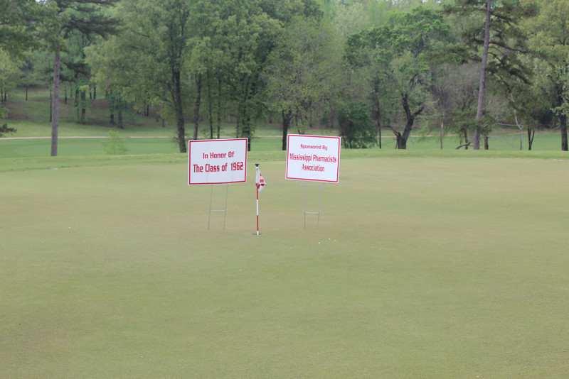 The putting contest was sponsored by MPhA and an alum who sponsored in honor of the Class of 1962.