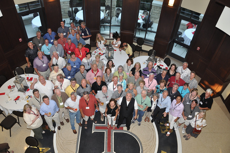 Class of 1972 - Please note that if an 8x10 crops people out of your photo .. try an 8x12.