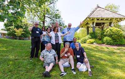 Standing: Steven Hirsch '77, Amy Kaplan Markel '77, Dorry Dimos '78; Stan Schiffman '77, Dana Crevling '77; John Franzen '77, Brion Lipshutz '77. Sitting: Evan Horton '77, Bob Meynardie '77, Mike Sloan '77 & John Meynardie '77