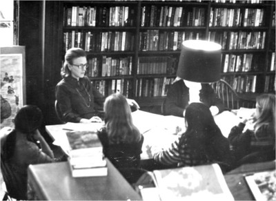 20 - academics - classes in library