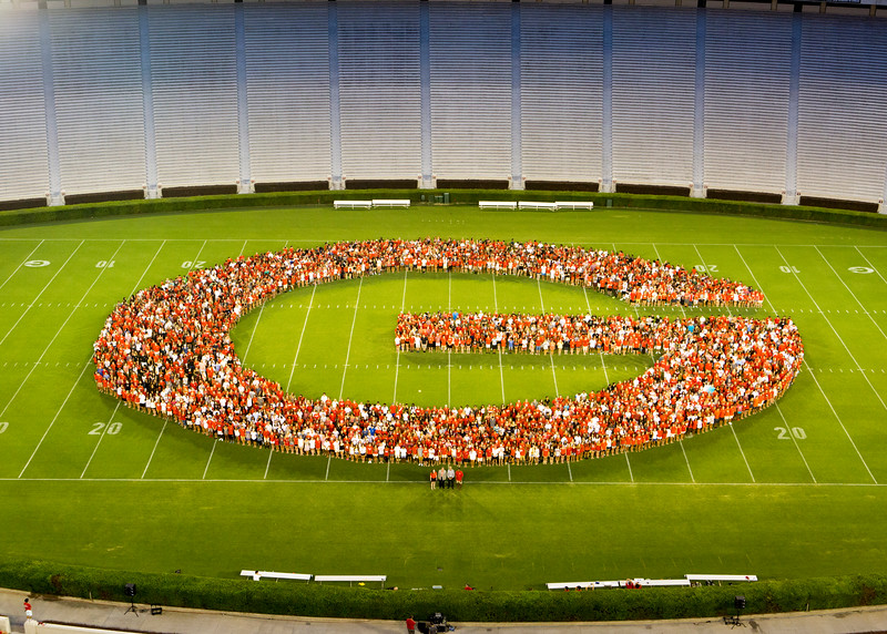 Description: Freshman Welcome Class of 2019 Group<br /> Date of Photo: 8/16/2015<br /> Credit: Dorothy Kozlowski, University of Georgia<br /> Photographic Services File: 32981-026<br /> <br /> The University of Georgia owns the rights to this image or has permission to redistribute this image. Permission to use this image is granted for internal UGA publications and promotions and for a one-time use for news purposes. Separate permission and payment of a fee is required to use any image for any other purpose, including but not limited to, commercial, advertising or illustrative purposes. Unauthorized use of any of these copyrighted photographs is unlawful and may subject the user to civil and criminal penalties. Possession of this image signifies agreement to all the terms described above.