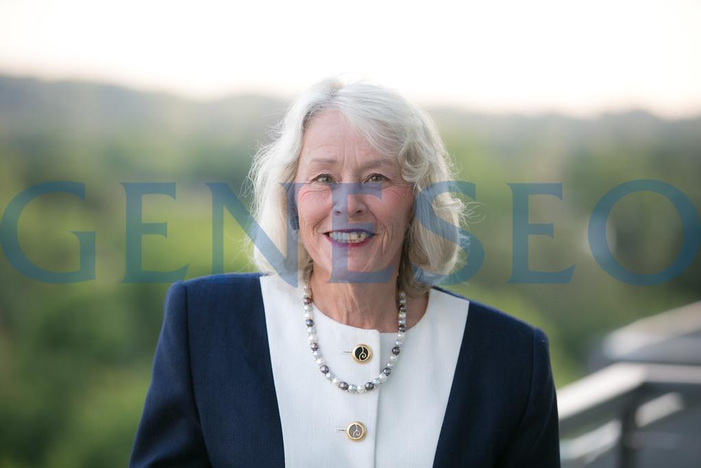 Diane Wolcott