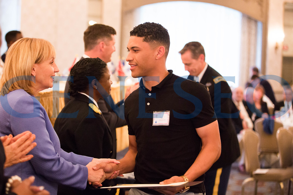 Angel Rivera shakes hands with Lieutenant Gov. Kim Guadagno // angelrivera97@icloud.com
