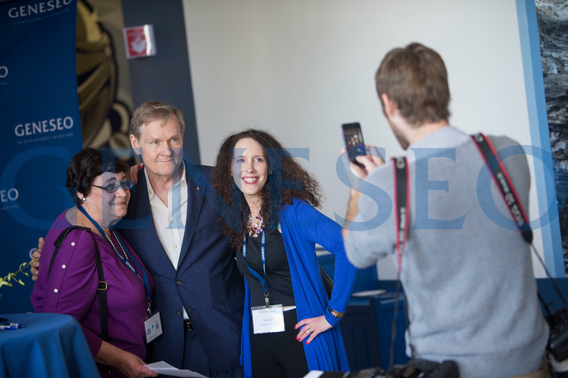 William Sadler visits and autographs pictures Photos by Ben Gajewski
