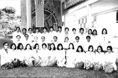 Class of 76-82 (Anatomy group 1977-78) photo credit: Aung Htay
