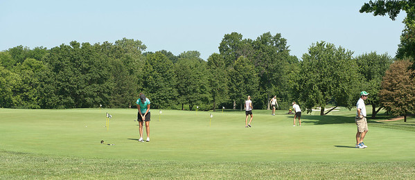 Practice green between holes number 1 and 10.
