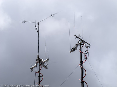 Antenna arrays on the top of the masts on the ARES trailer
