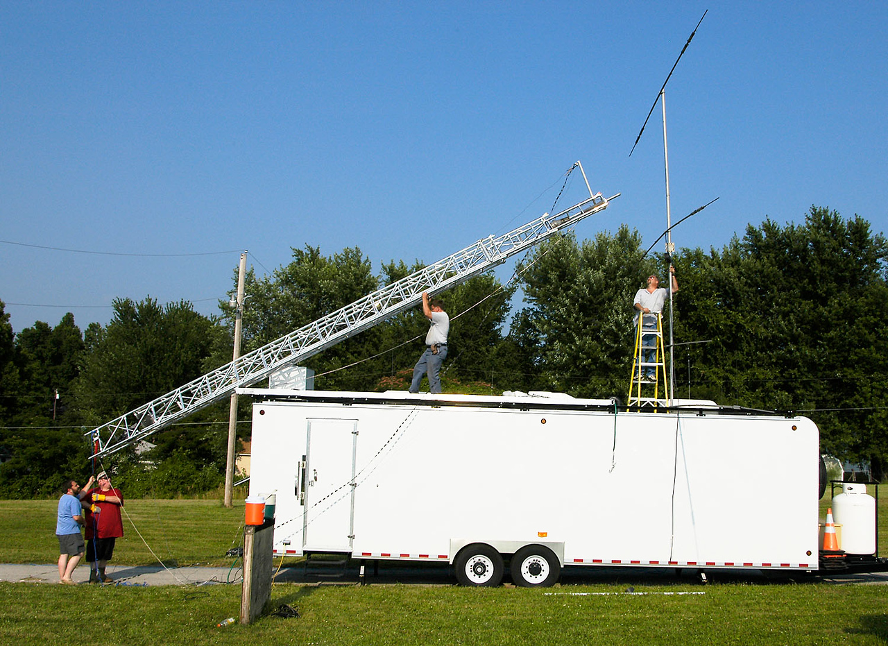 Mounting the HF beam antenna to the GOTA station tower. - <i>Friday, afternoon</i>