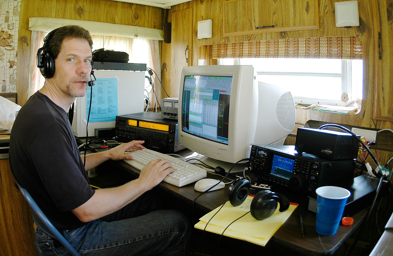 KC0NOX at the helm of the phone station - <i>Sunday, morning</i>