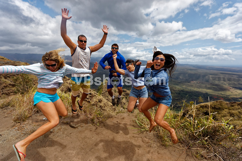 Volleyball Players have to do jumpy pictures:  Laura Ratto, Jason Riddle, Tony Thompson, Julie Chan, Esther Kim.