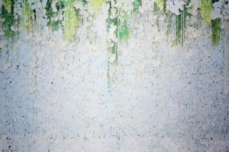White garden backdrop (9 ft wide)