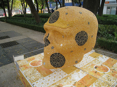 MexicoSkulls on Paseo de Reforma 15