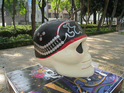 MexicoSkulls on Paseo de Reforma 16