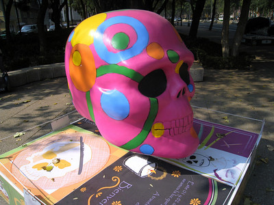 MexicoSkulls on Paseo de Reforma 13