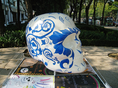 MexicoSkulls on Paseo de Reforma 20