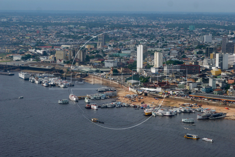 A view of Manaus, capital of the Brazilian state of Amazonas, on the banks of the Rio Negro. (Australfoto/Douglas Engle)