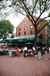 When it comes to food, crafts and festivities, Annuli Hall is not that different today from when it was a farmers market in 1742. This and is neighbor, Quincy Market, are not only great spots to refuel the family but also buy all of your souvenirs, watch street performers, and listen to music.